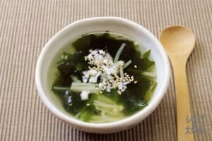 わかめとえのきの簡単スープ