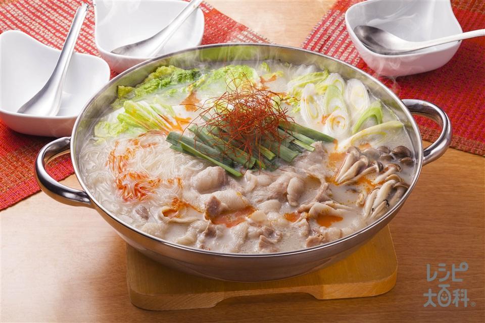 豚肉と春雨のピリ辛鍋(豚バラ薄切り肉+白菜を使ったレシピ)