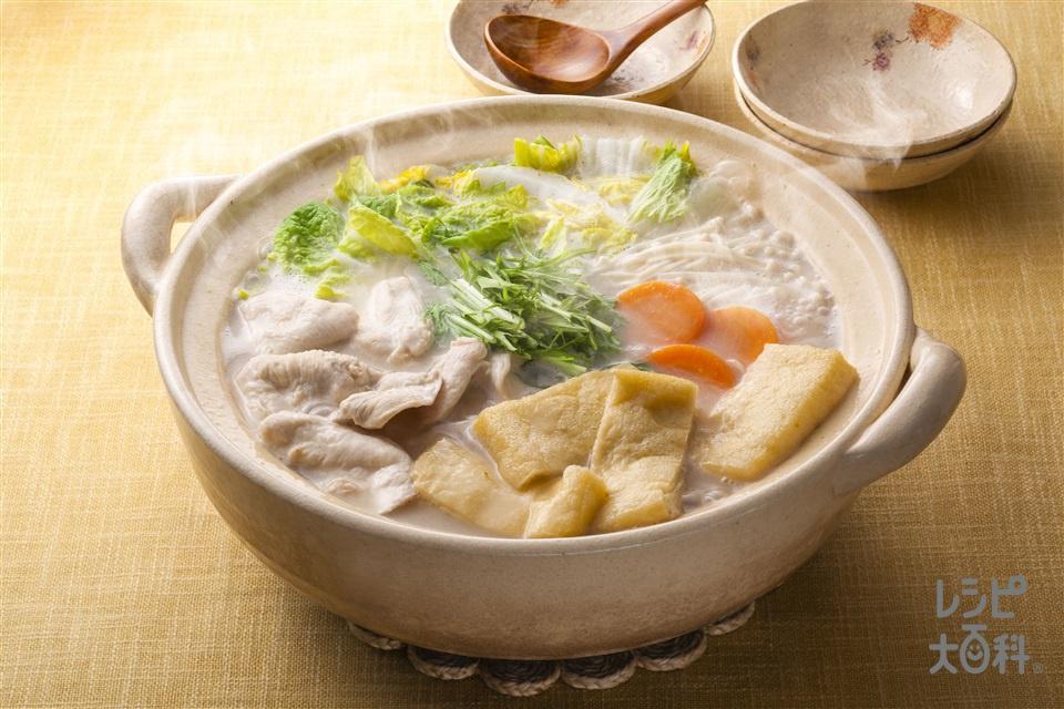 鶏と水菜の柚子白湯鍋(鶏むね肉+白菜を使ったレシピ)