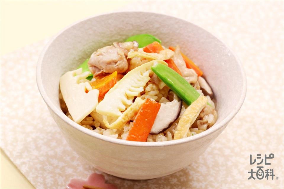 五目たけのこごはん(米+鶏もも肉を使ったレシピ)