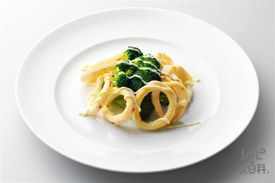焼きいかリングのブロッコリー添え(いか(胴)+ブロッコリーを使ったレシピ)