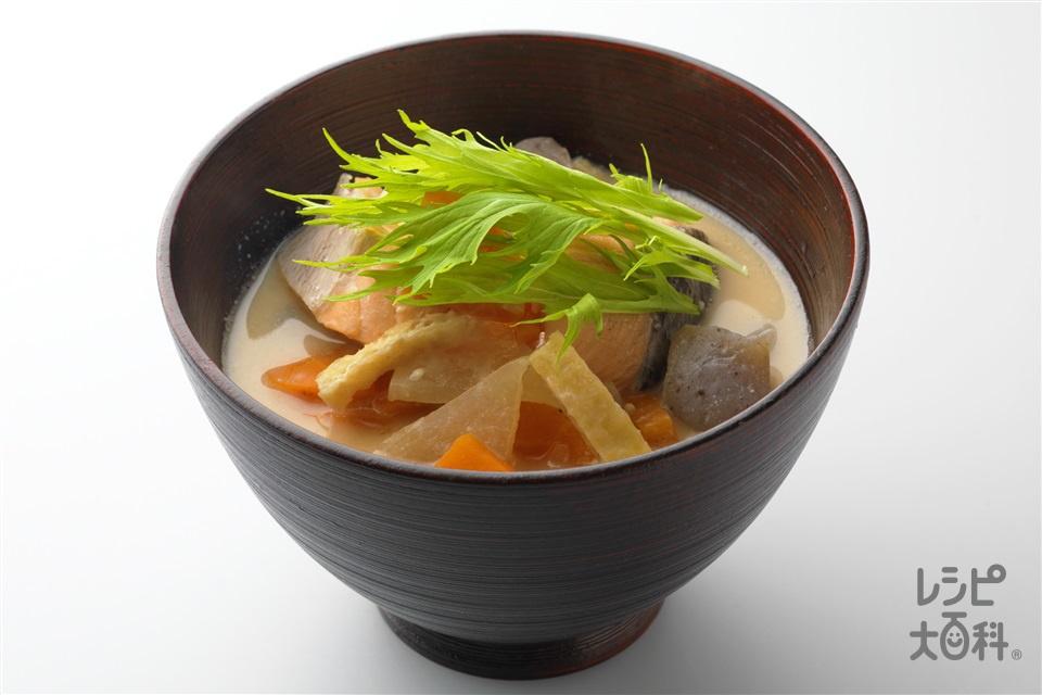 鮭の粕汁(甘塩ざけ+大根を使ったレシピ)