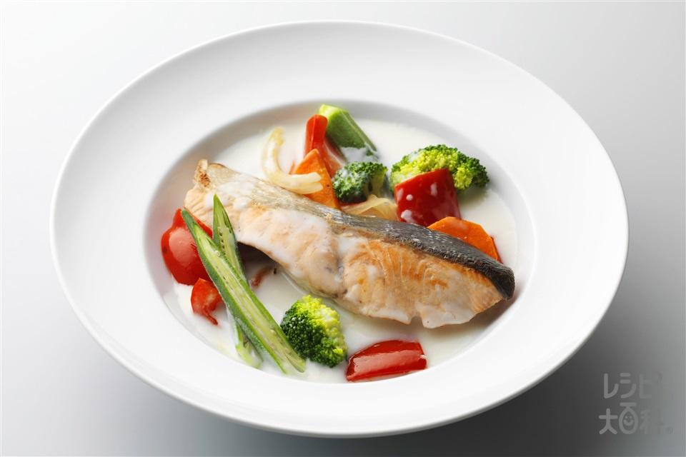 鮭のクリームスープ(さけ+パプリカ(赤)を使ったレシピ)