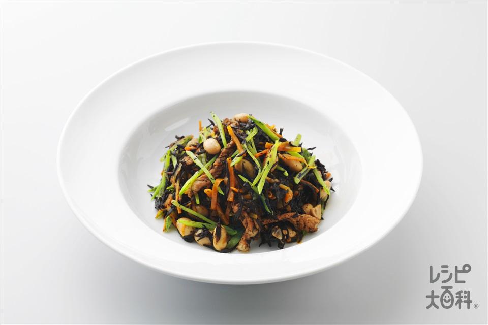 大豆、豚肉、ひじきの煮物(にんじん+大豆の水煮を使ったレシピ)