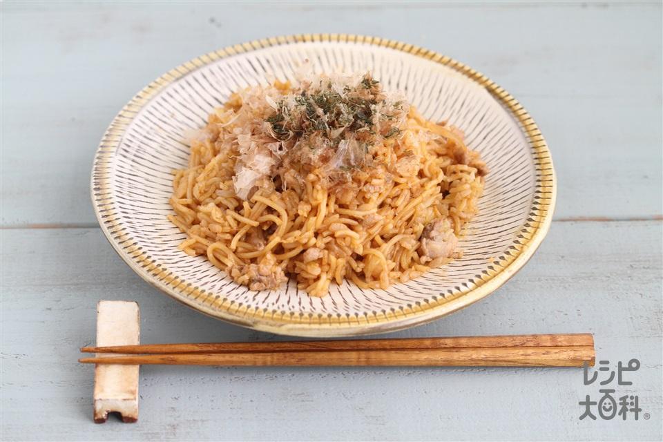 そばめし(焼きそば用蒸しめん+ご飯を使ったレシピ)