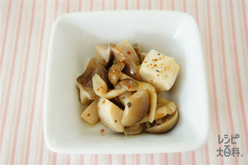 2種のキノコのピリ辛煮(しめじ+エリンギを使ったレシピ)