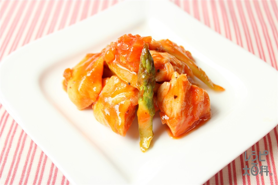 鶏とアスパラのチリソース(鶏むね肉+酒を使ったレシピ)