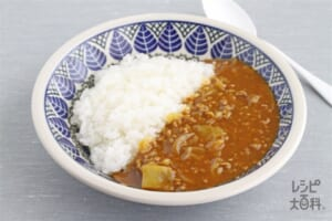 キャベツとひき肉のカレー(キャベツ+ご飯を使ったレシピ)