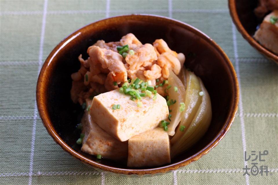 キムチ肉豆腐(豚こま切れ肉+玉ねぎを使ったレシピ)