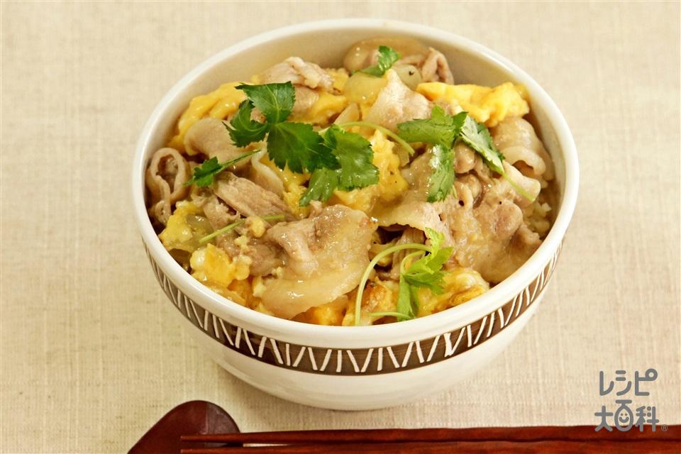 豚バラの香味卵とじ丼(豚バラ薄切り肉+ご飯を使ったレシピ)