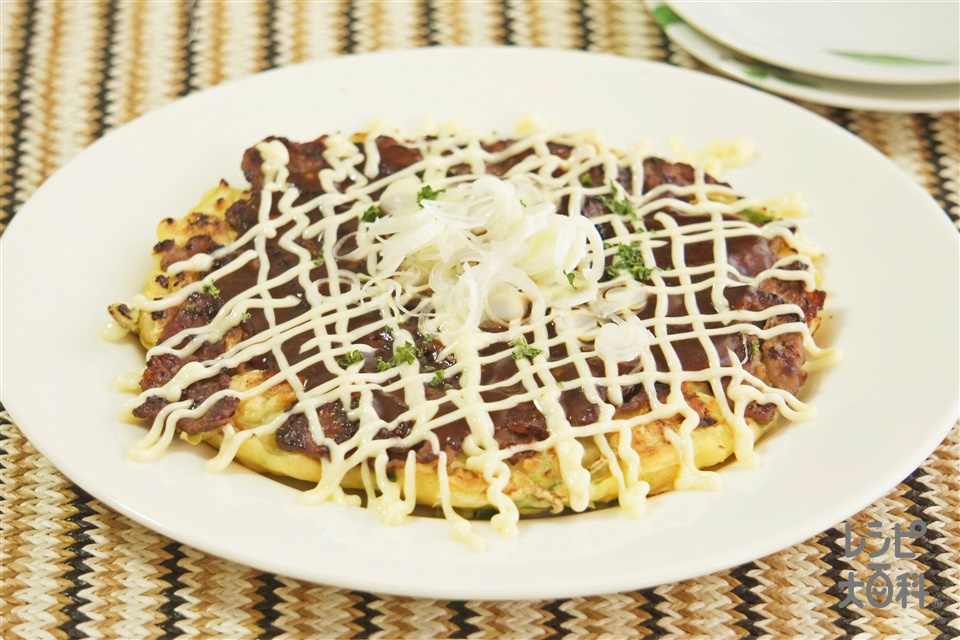 牛こまのがっつりお好み焼き(牛こま切れ肉+キャベツを使ったレシピ)