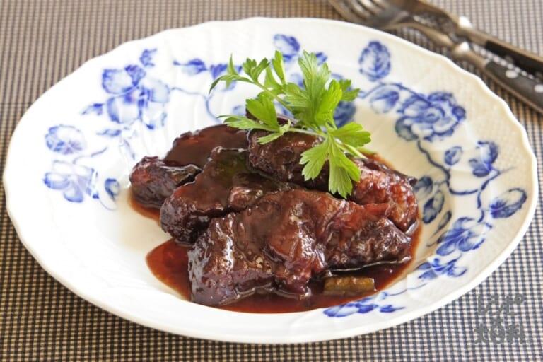 牛かたまり肉の濃厚ワイン煮込み