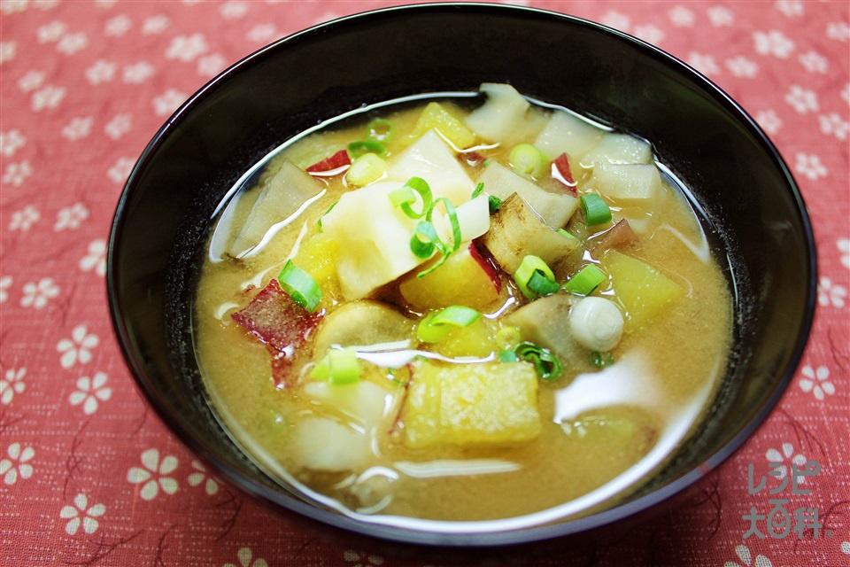 根菜のごまみそ汁(さつまいも+れんこんを使ったレシピ)