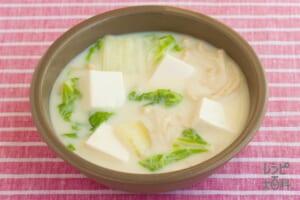 豆腐と白菜の豆乳スープ