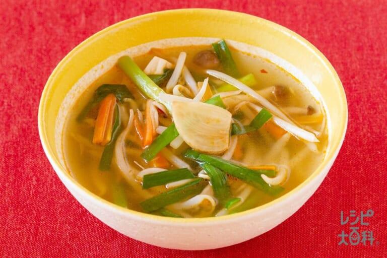 たっぷり野菜の中華風ピリ辛スープ