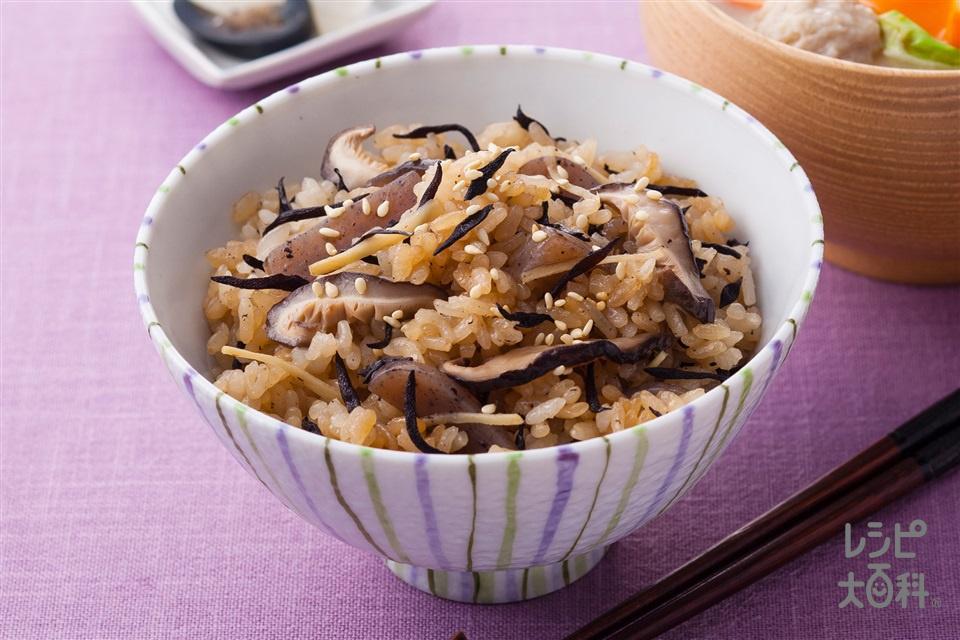 ひじきと生姜のだし炊きご飯(米+こんにゃくを使ったレシピ)