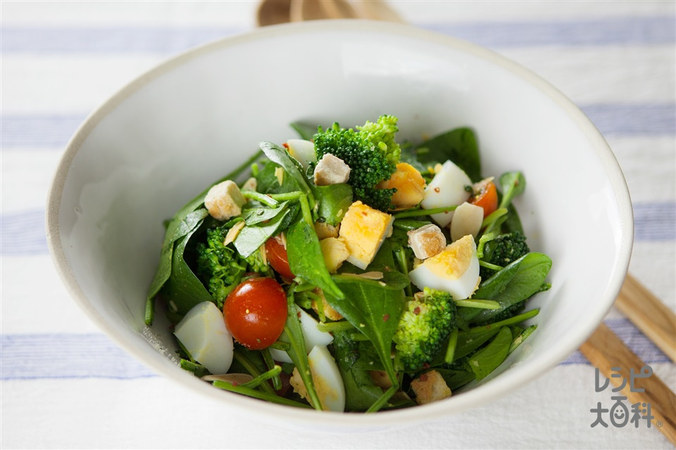 ゆでたまブロッコリーのゴロゴロトスサラダ