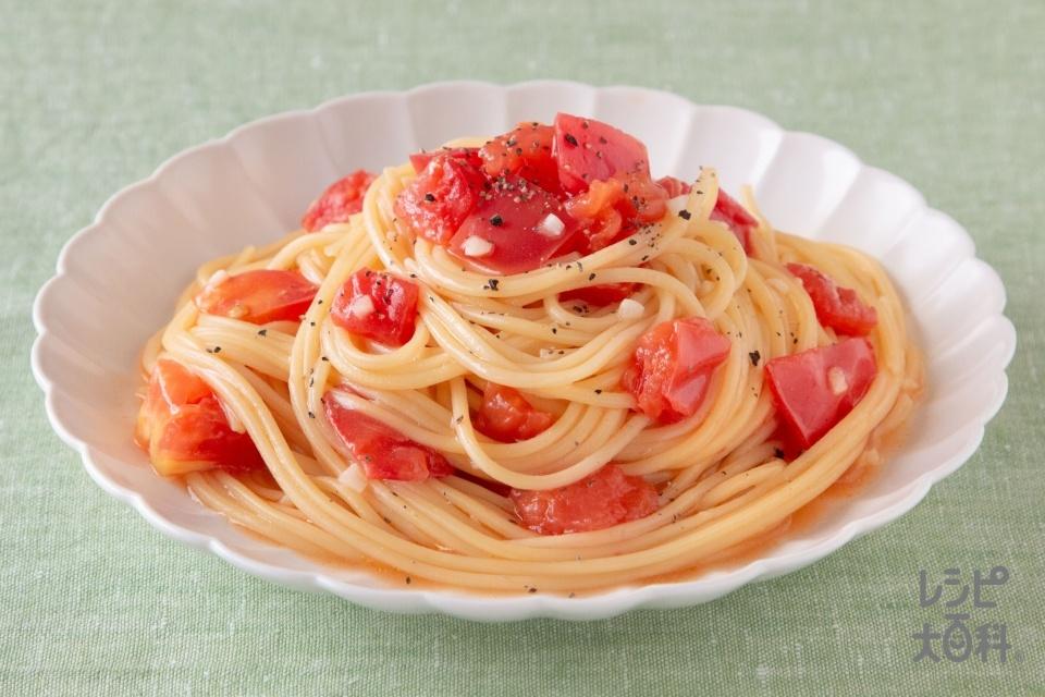 フライパンひとつでシンプルトマトパスタ(スパゲッティ+トマトを使ったレシピ)