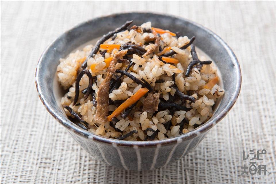 ひじき煮の炊き込みご飯(米+しょうがのすりおろしを使ったレシピ)