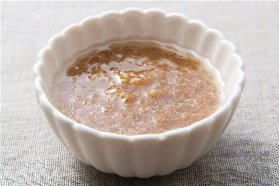 ガーリックペッパードレッシング(玉ねぎ+にんにくのすりおろしを使ったレシピ)