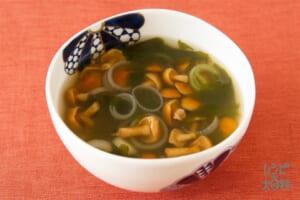 なめこのスープ