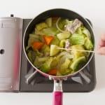 たっぷり野菜の簡単コンソメ煮の作り方_3_1