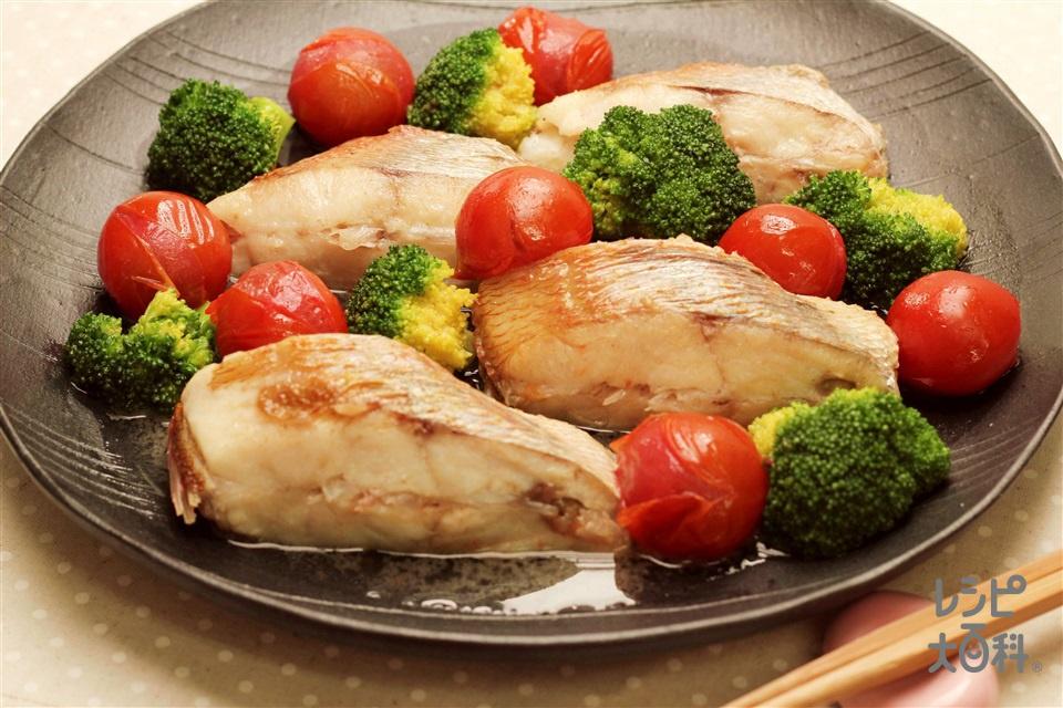 鯛のアクアパッツァ風(たい(切り身)+ミニトマトを使ったレシピ)
