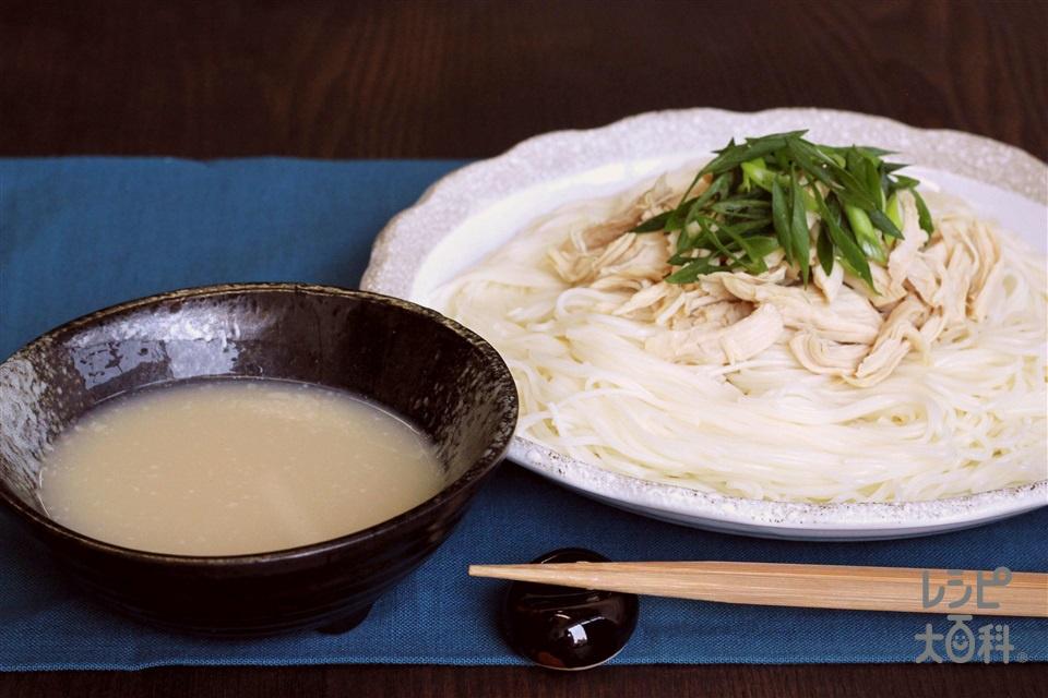 濃厚白湯つけそうめん(そうめん+鶏ささ身を使ったレシピ)