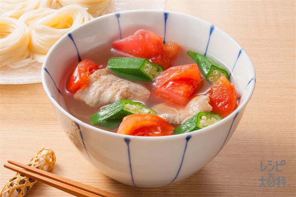 トマトとオクラのうま塩豚汁そうめん(そうめん+トマトとオクラのうま塩豚汁を使ったレシピ)