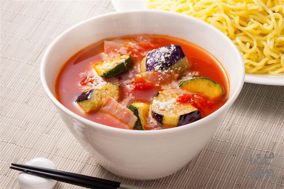なすとズッキーニのトマトつけ麺(中華めん+ホールトマト缶を使ったレシピ)