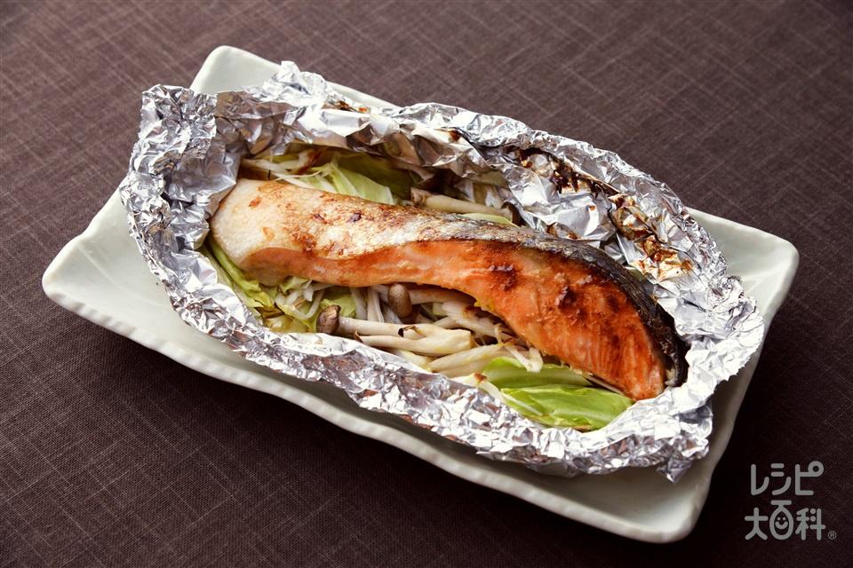 鮭のホイル焼き(生ざけ(切り身)+キャベツを使ったレシピ)
