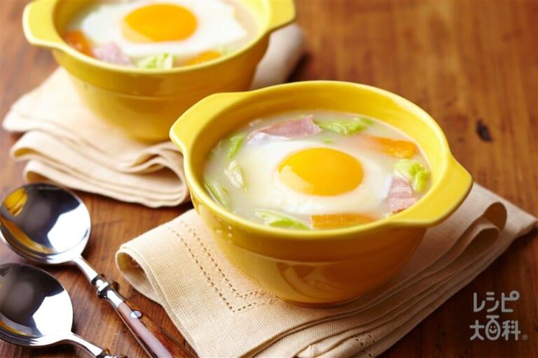 キャベツとベーコンとろ玉スープ