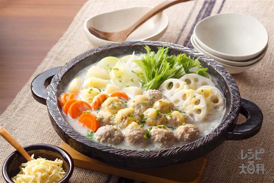 鶏だんごと根菜の豆乳鍋(れんこん+じゃがいもを使ったレシピ)