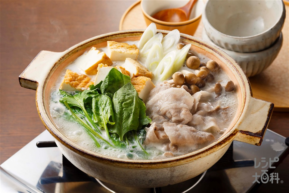 豚肉とほうれん草の豆乳鍋