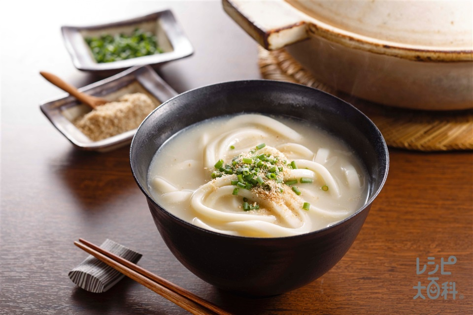 鍋の〆 豆乳うどん(冷凍うどん+すり白ごまを使ったレシピ)
