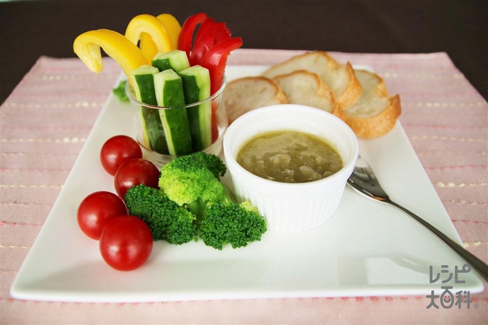 「いりこだし」で作るバーニャカウダ風サラダ(きゅうり+バゲットを使ったレシピ)