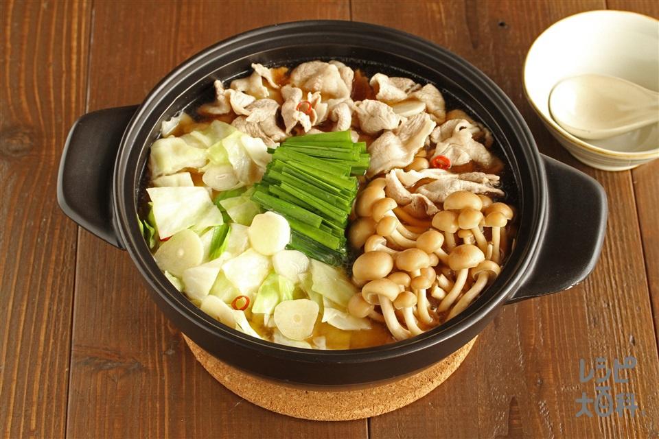 豚肉とキャベツのバター醤油鍋(豚こま切れ肉+キャベツを使ったレシピ)