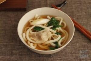 豚肉とほうれん草の鍋シメうどん(冷凍うどん+を使ったレシピ)