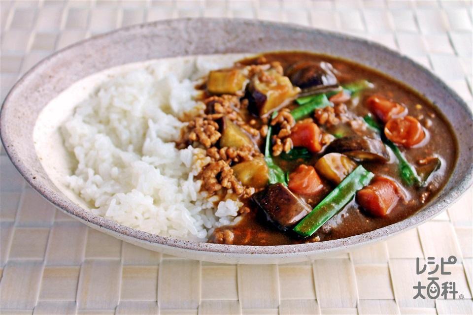 ひき肉とウインナーの炒めカレー(なす+ご飯を使ったレシピ)