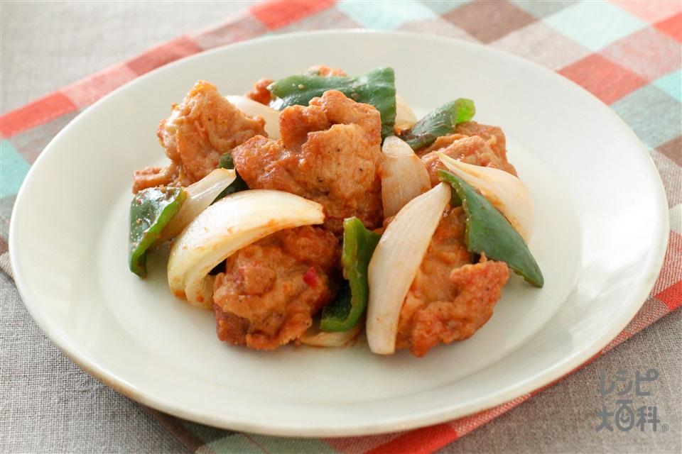 から揚げのピリ辛ケチャップ和え(味の素冷凍食品KK「やわらか若鶏から揚げ」+玉ねぎを使ったレシピ)