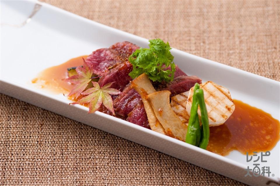 牛ステーキのたまねぎソース(牛ステーキ用肉+玉ねぎを使ったレシピ)