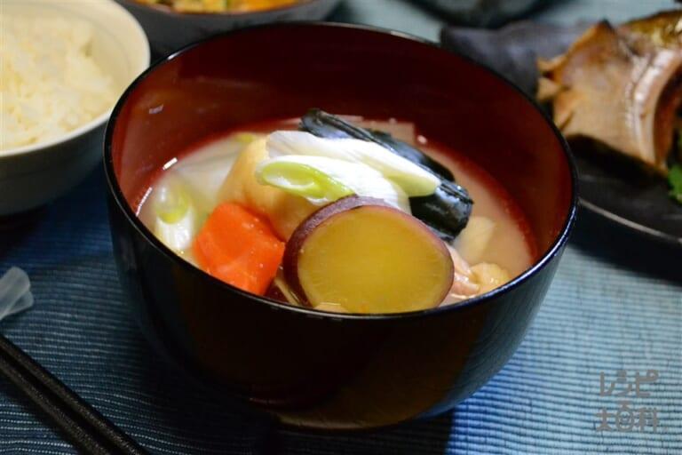 加賀野菜と鶏肉の粕風味めった汁