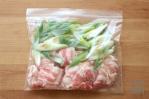 豚バラ肉とねぎのほんだし漬け(基本の袋レシピ)