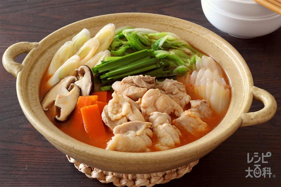 辛コク!キムチ白湯鍋(鶏もも肉+白菜を使ったレシピ)