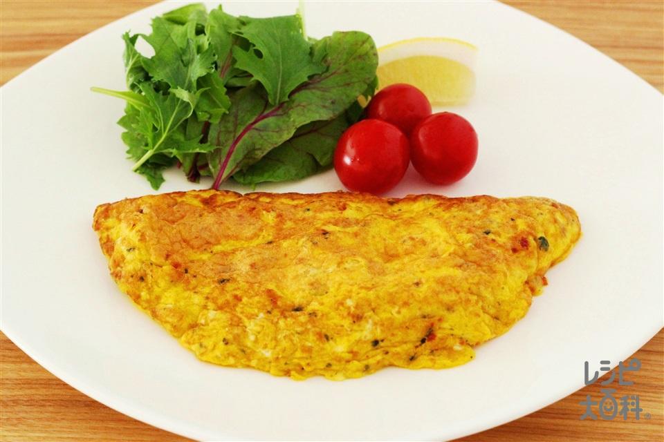 トスサラバジルオムレツ(卵+「Toss Sala」モッツァレラとトマトのイタリアンサラダ用を使ったレシピ)
