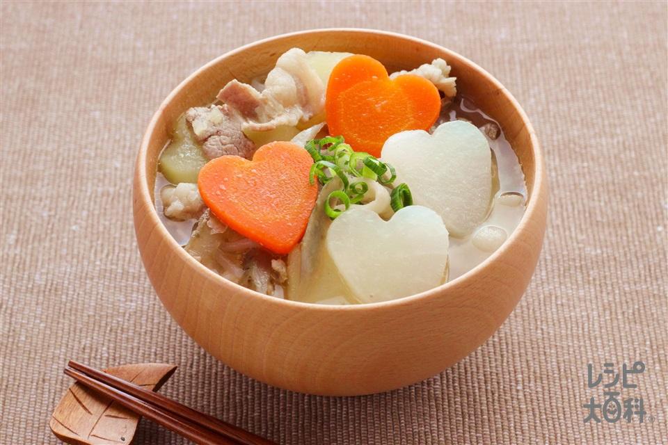 バレンタイン豚汁(豚バラ薄切り肉+じゃがいも(大)を使ったレシピ)