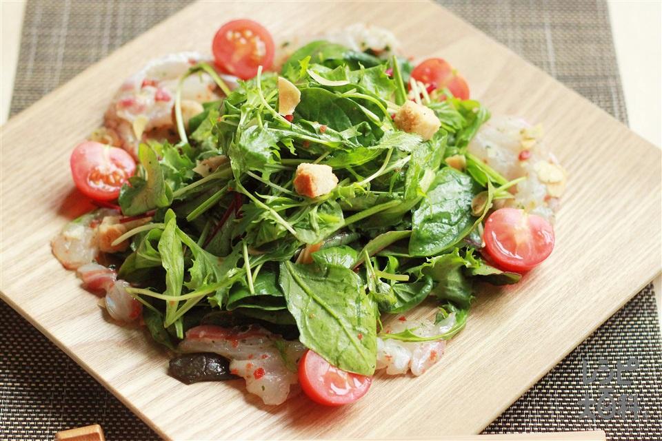 鯛のさしみでイタリアンサラダ(たい(刺身)+ベビーリーフを使ったレシピ)