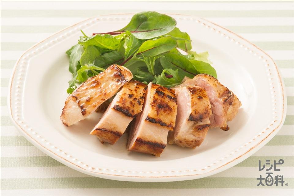 チキンソテー(鶏もも肉+「味の素KKコンソメ」顆粒タイプを使ったレシピ)