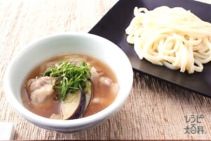 鶏と帆立のだしうまつけうどん(うどん+豚バラ薄切り肉を使ったレシピ)