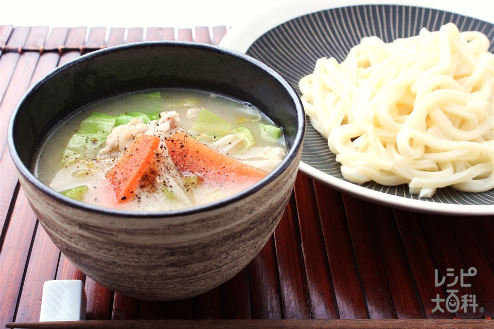 豚骨とりがらつけうどん(うどん+鶏ひき肉を使ったレシピ)